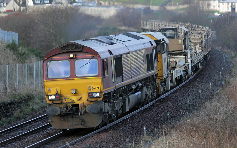 66109 at Girdleness with 6K10 Newtonhill to Mossend discharged cwr train on 6th January 2013