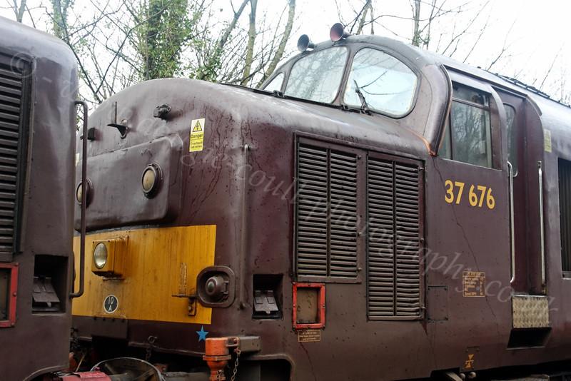 Diesel Loco - 37 676 - Garelochhead Station - 5 February 2012