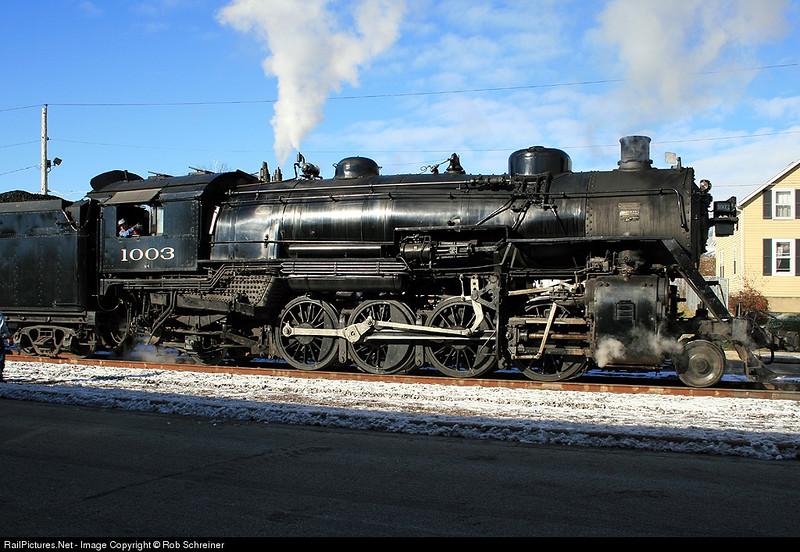 Soo Line 1003 in Hartford, WI on the santa train.