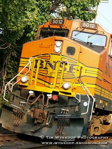 Burlington Northern Santa Fe (BNSF) 5012, eastbound through Phillipsburg, NJ.