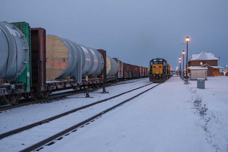 Northlander waits to depart from Cochrane 2006 December 27 Freight for Moosonee at left.