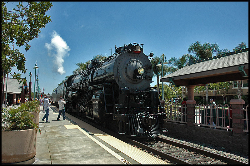 One shot of the steam train on the return run thru Carlsbad on 5-2-2010.