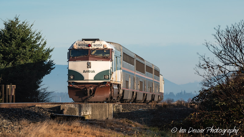 Northbound Amtrak Cascades 516