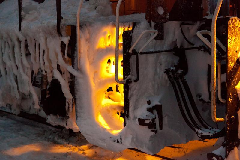 Snow on Ontario Northland GP38-2 1808