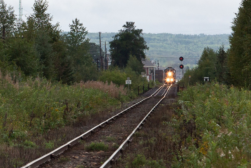 Northlander approaching Bryan's Road from Englehart Station. 2010 October 22