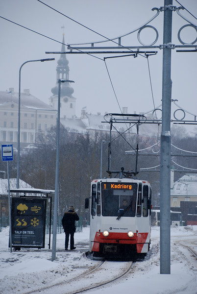 Route two and four skirt the northern edge of the old town. This is Pohja puistee tram stop with the tower of the Church of the Transfiguration of our Lord in the background