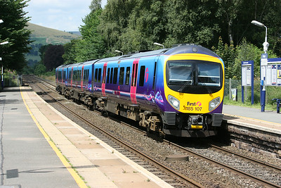 185107 passes Hope with the 1155 Manchester Airport - Cleethorpes 22/7/14