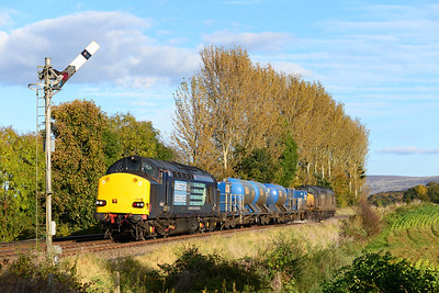 The Tyne Valley RHTT approaches Great Corby with 37608 leading and 37605 on the rear 21/10/12.