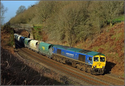 2012 03 26.66623 on the Hardendale-Redcar loaded limestone train at Cowran Cutting.