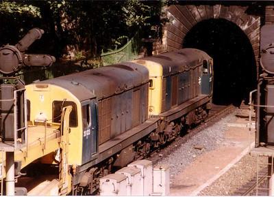 20202+20123 on empy car wagons, Princes Street Gardens, Edinburgh, 16 August 1983