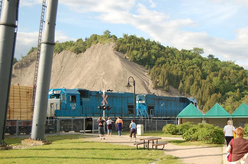 LLPX 1511 & LLPX 1510 - Montmorency Park, Quebec, Canada - 15 June 2006