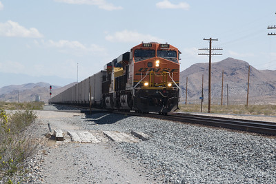 BNSF 8291 leads a UP loaded coal service west at Apex, NV