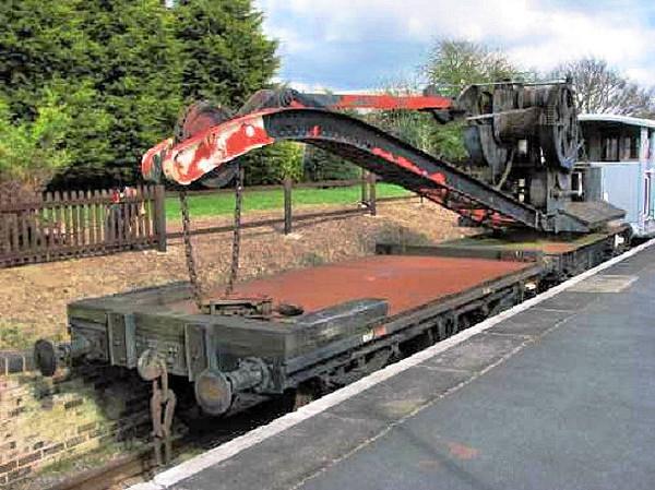 WGF4416 MR Crane Jib Runner - Gloucester & Warwickshire Railway 04.04.08  Phil Scott