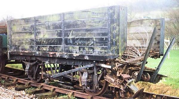 932 5 Plank Open - Llangollen Railway 01.11.94  John Robinson