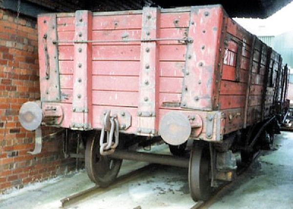 21M 6 Plank Hopper - National Coal Mining Museum  01.04.94  John Robinson