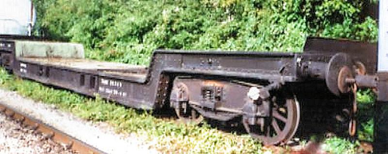 PSTO 1- Bogie Weltrol - Llangollen Railway 01.09.94  John Robinson
