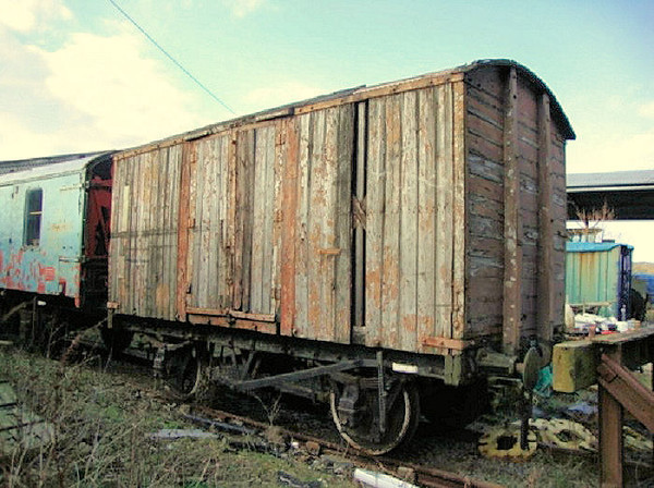 25xx PO Non Vent Van Plank - Mangapps Railway Museum 06.03.10  Andrew Jenkins