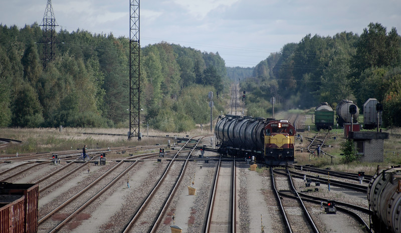 A tanker train negotiating the point work at the Estonian end of Valga / Valka. The line curving off to the left is freight only across Estonia to the Pskov Oblast of Russia. The line in the centre of the picture is heading towards Tartu and ultimately to Tallinn. I can't get too excited by Estonia's second hand imported US General Motors freight locos - which is unfortunate as that's all that's pretty much all that's on offer in Estonia.  The freight action in Valga / Valka is limited. Only saw this and the freight pictured earlier in the time I was there. Though there was some shunting going on as well.