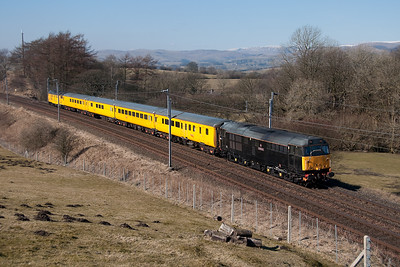 31459 and 31285 top and tail a Derby-Mossend test train 8/3/10.