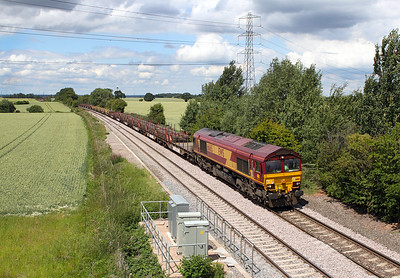 The bigger picture as 66165 passes Willow Bottom Lane, Portway with the 6X01 10.17 Scunthorpe to Eastleigh rail train.