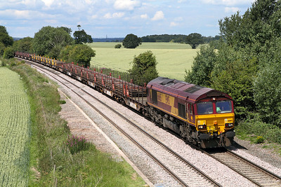 66165 passes Willow Bottom Lane, Portway with the 6X01 10.17 Scunthorpe to Eastleigh rail train.