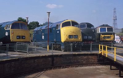 Old Oak Common's last open day sees D1023, 832, D821 & D7018 gathered around the turntable as they might have done thirty years before. 5/8/00