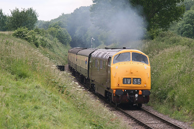 D832 'Onslaught' roars away from Bishops Lydeard. 12/6/09