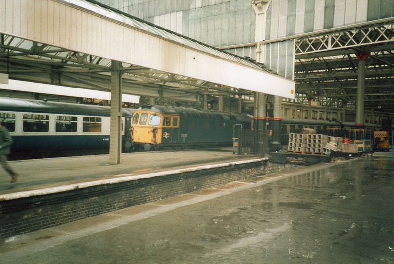 Although booked for a Class 33/0 33112 was about to work the 10 00 departure for Salisbury on 22/03/86.