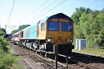 66720 seen passing Watton-at-Stone 0914/5z91 Bounds Green to Doncaster with a off lease MK4 stock move     25/05/20