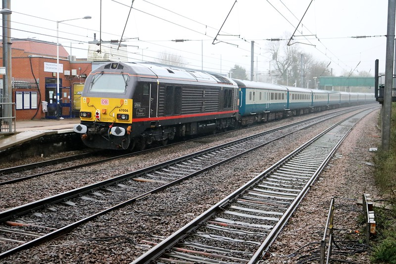 67005 tnt 67006 1222/1z78 Lincoln-Wembley passes Hatfield with the Footex   08/04/18