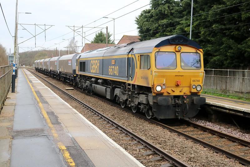 66740 passes Watton-At-Stone 1102/6o65 Peterboro-Tonbridge   02/04/18
