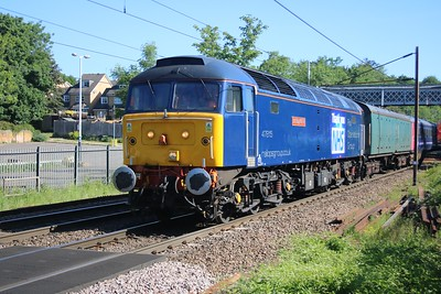 47815 'Lost Boys 68-88' seen passing Welwyn North 0901/5Q76 Ely Papworth to Newport Docks with ex GWR HST Coaches for scrap      25/05/20  Consist.. 6344 42028 42031 42006 40722 42512 42098 977087 975875