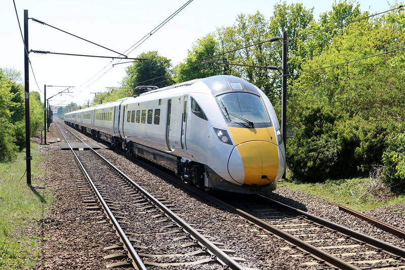 800103 1318/5X21 Kings Cross-Doncaster passes Welwyn North on a test run   07/05/18