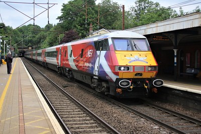 91130_82205 pass Welwyn North at 1413/1Y08 York to Kings Cross    03/06/20