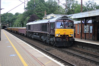 66746 in Royal Scotsman livery passes Welwyn North at 1514/6G30 Whitemoor to Alexander Palace engineers train    20/06/20