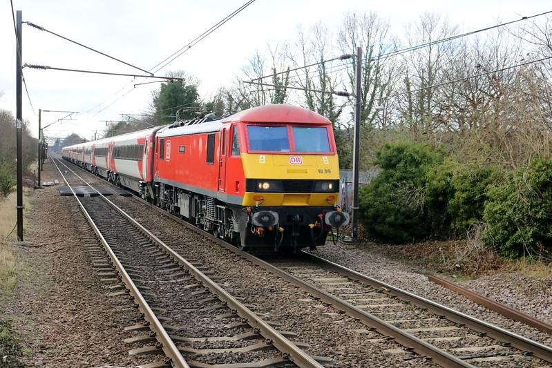 90019 passes Welwyn North 1029/1D09 Kings Cross-Leeds   04/02/18