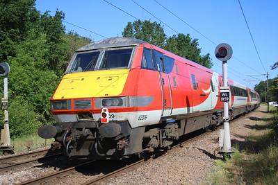 82209 seen passing Watton-at-Stone on the back of 0914/5z91 Bounds Green to Doncaster off lease MK4 stock move     25/05/20