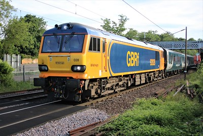 92028 passing Welwyn North 0708/1M16 Inverness to Euston diverted Sleeper    26/05/20