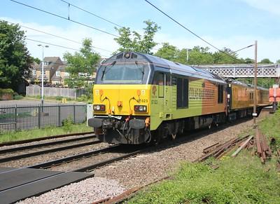 67023 'Stella' tnt 67027 'Charlotte' seen passing Welwyn North 1332/1Q18 Heaton to Cambridge via Kings Cross    18/05/20