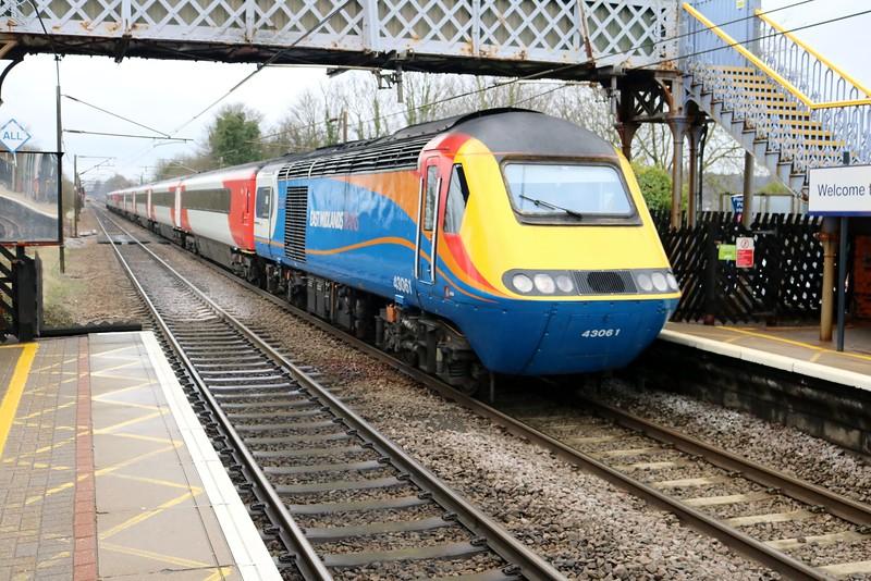 43061_43075 pass Welwyn North 1122/1D11 Kings Cross-Leeds   02/04/18