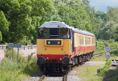 20166 approaching Leyburn with the 1130 from Leeming Bar on 24th June 2012.