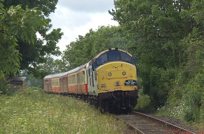 37250 approaching Finghall with the 1435 ex Redmire