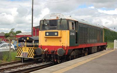 20166 passing Wickham WR3012 as it runs round at Leeming Bar on 24th June 2012.