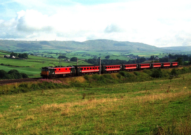 86206 City of Stoke on Trent descends Grayrigg passed Hayfell with the 08:40 Glasgow to Birmingham 11/8/2000.