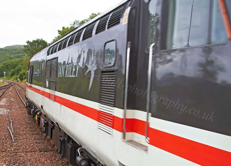 BR Class 37 Diesel Loco 37518 - Departing Garelochhead Station - 3 August 2012