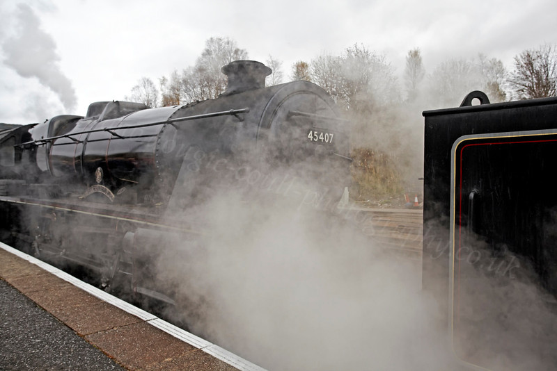 45407 and Plenty of Steam at Crianlarich Station - 27 October 2012