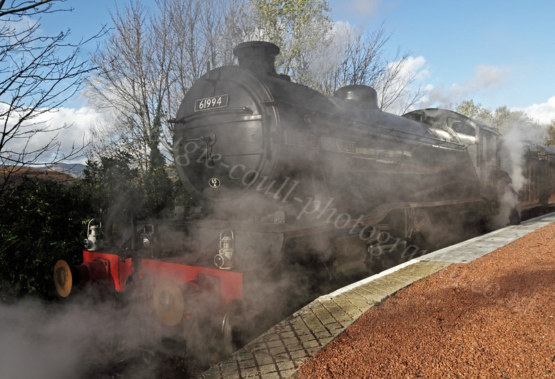 The Great Marquess (61994) - Garelochhead Station - 1 November 2011