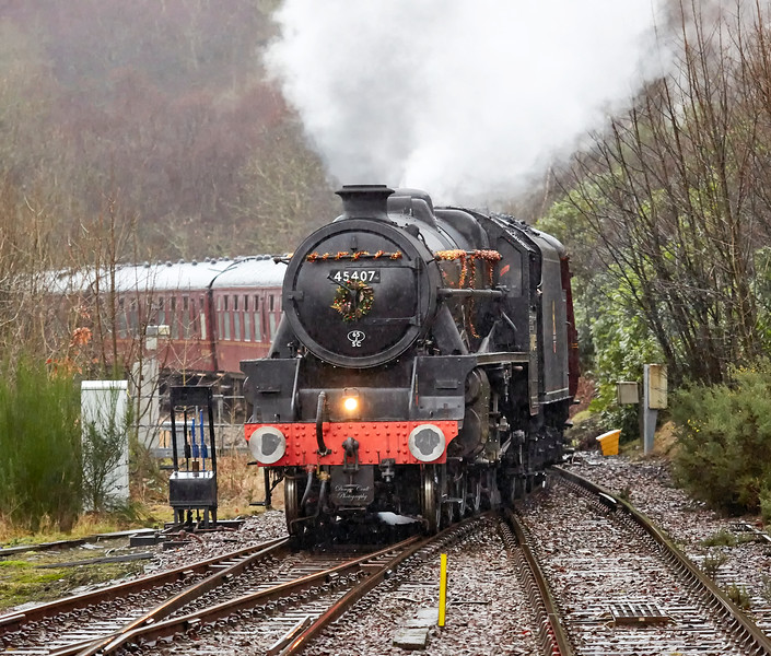 The Lancashire Fusilier (45407) at Garelochhead - 3 January 2018