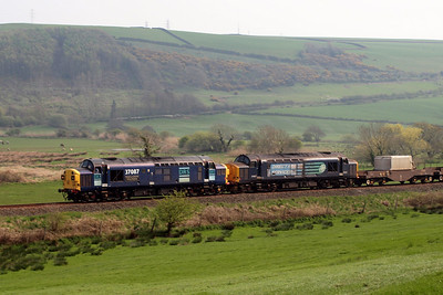 37087 and 37667 at Linethwaite. 19/04/11.