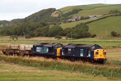 37087 Keighley & Worth Valley Railway and 37194 approach St Bees with 6M60 Seaton-on-Tees PS - Sellafield. 08/08/11.